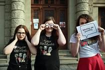Hra, která učí studenty o mediální gramotnosti a kritickém myšlení nazvaná Fakescape, získala první cenu v národním kole Ceny Karla Velikého pro mladé Evropany. Ocenění každoročně hodnotí projekty, které podporují evropskou myšlenku a sounáležitost.