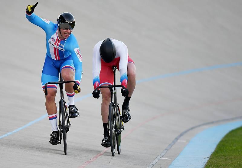 Na mistrovství Evropy ve Fiorenzuola d'Arda získal Martin Čechman (vlevo) zlato ve sprintu jednotlivců do 23 let.