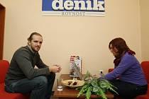Ondřej Mužík s redaktorkou Lucií Hrabcovou při on-line rozhovoru.
