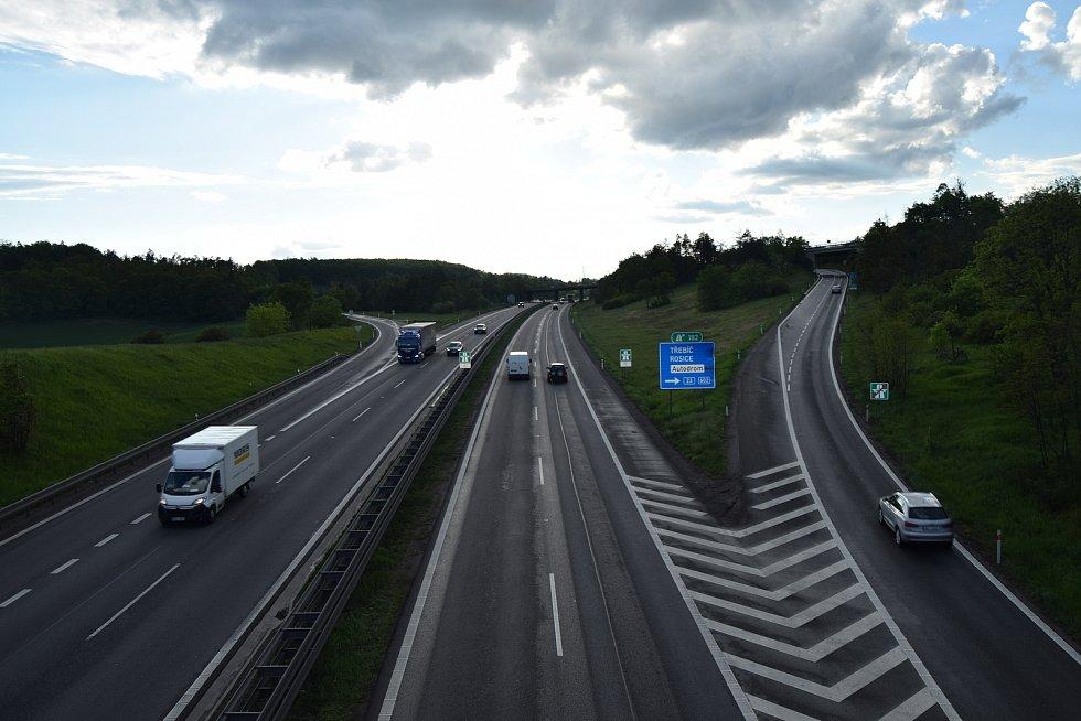 182. kilometr dálnice D1 u Omic. Páté nejvíce nehodové místo v kraji.
