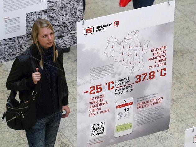 Teplárny Brno slaví 85 let. V nákupní galerii Vaňkovka začala výstava k výročí.