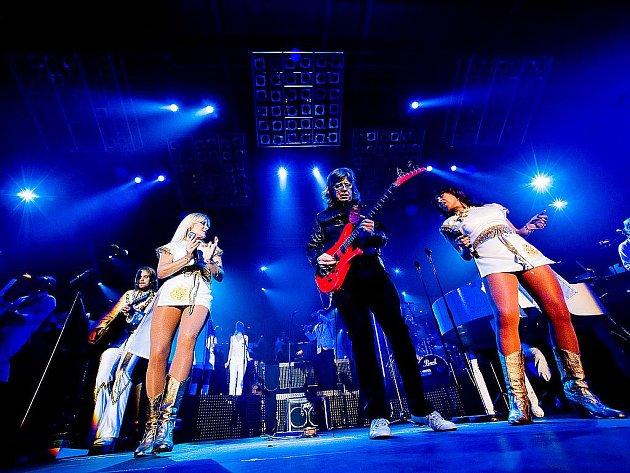 Projekt Abba The Show připomíná fanouškům hity švédké skupiny. Ty zpívá kapela Waterloo.