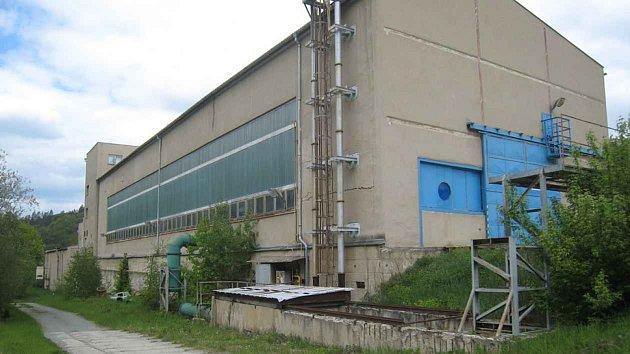 Podnik ČKD Blansko strojírny stradicí výroby vodních turbín a zařízení vodních elektráren vminulosti zaměstnával tisíce lidí.
