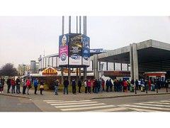 Zájem o domácí zápasy Komety Brno s pražskou Spartou je velký.