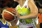 S mistrovským USK Praha sváděly basketbalistky KP Brno vyrovnaný souboj. Přesto nakonec podlehly 66:87. Na snímku Verlíková.