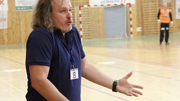 Trenér Ivo Vávra.