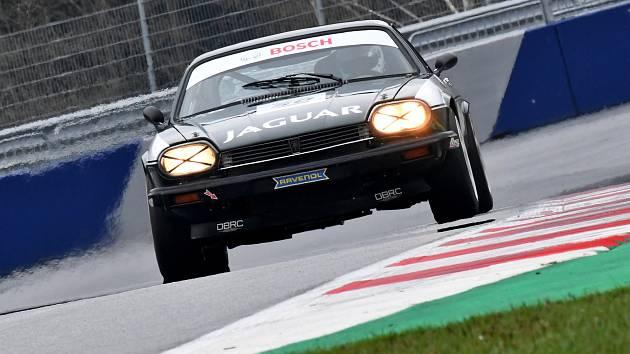 David Bečvář s Jaguarem.