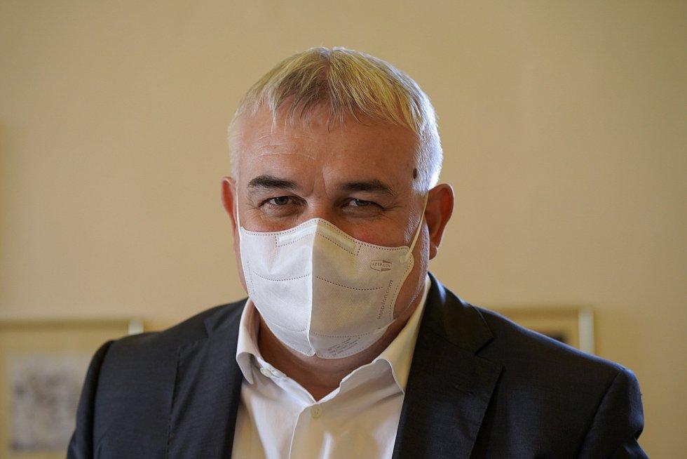 Vít Rajtšlégr (ČSSD) na předvolební debatě jihomoravského Deníku v Mikulově.