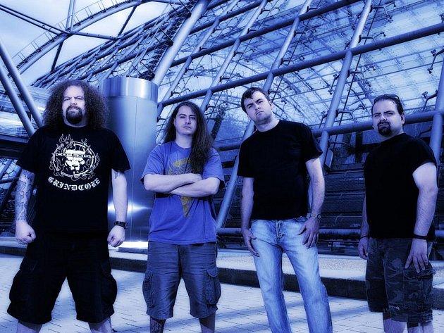 Napalm Death fungují již přes pětadvacet let.
