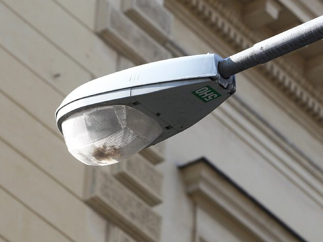 Veřejné osvětlení v ulici Obilní trh.