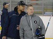Kanadský trenér, expert na techniku bruslení, Shawn Allard.