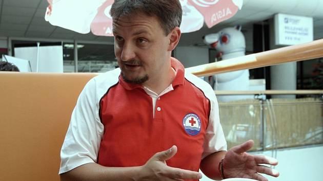 Velitel Vodní záchranné služby Českého červeného kříže Vladan Vlk na Brněnské přehradě.