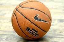 Basketbalový míč.