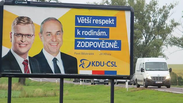 Billboardy na dálnici D52.