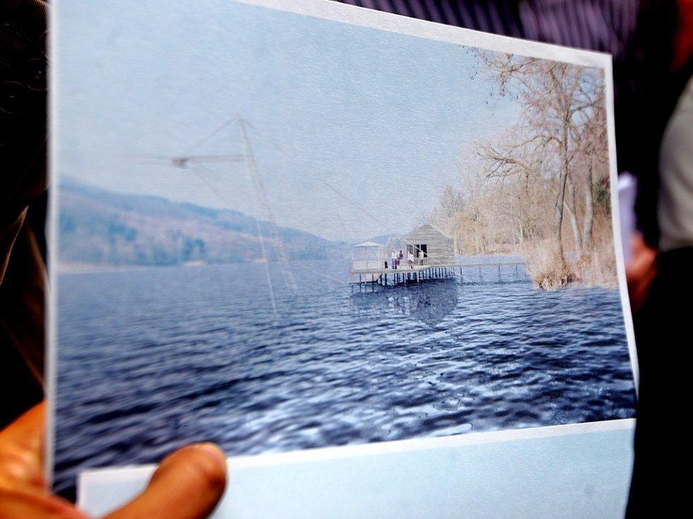 Debata o možnostech provozování vodního lyžování na brněnské přehradě.