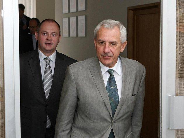 Ministr zdravotnictví Leoš Heger a jihomoravský hejtman Michal Hašek na jednání v areálu brněnského výstaviště.