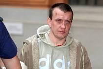 Osmatřicetiletý muž ze Slovenska obžalovaný z pokusu o vraždu u brněnského soudu.