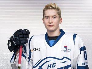 Mladý hokejista brněnské Komety Martin Nečas.