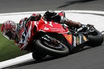 Japonský jezdec Norijuki Haga vyrazí do brněnských závodů MS superbiků z pole position.