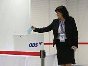 Členové ODS dali Nečasovi 351 hlasů.