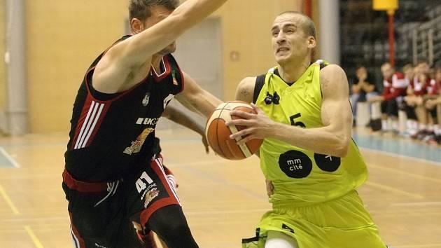 Edi Sinadinovič skončil v brněnském mmcité.
