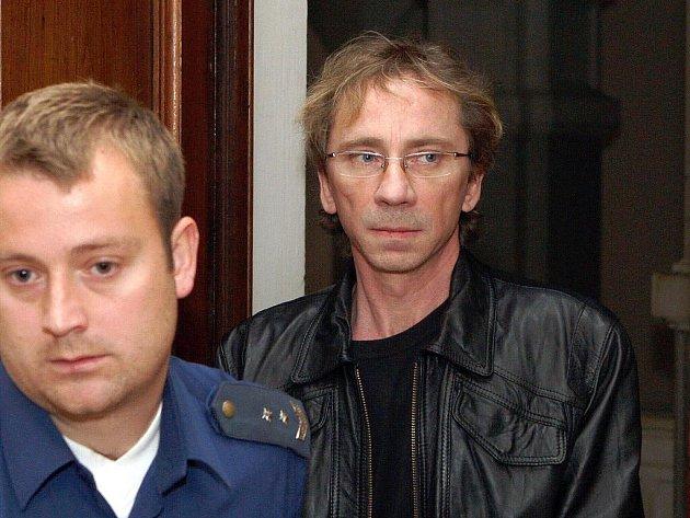 Petr Kavka u brněnského soudu.