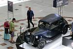Pokochat se pohledem na historické vozy značky Tatra mohou od čtvrtka lidé v modřickém nákupním centru Olympia.