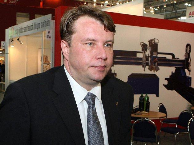 Mezinárodní strojírenský veletrh navštívil ministr průmyslu a obchodu Martin Kocourek.