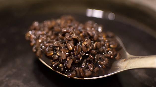 Černá rýže.