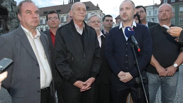 Tisková konference k výsledkům voleb s členy ČSSD.