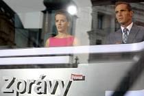 Roman Šebrle spolu s kolegyní Gabrielou Kratochvílovou uváděl zprávy přímo z náměstí Svobody.
