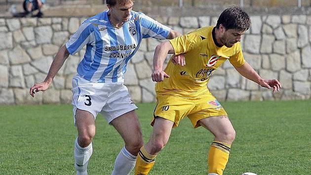 Fotbalista Milan Pacanda (ve žlutém).