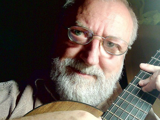 Kytarista Štěpán Rak.