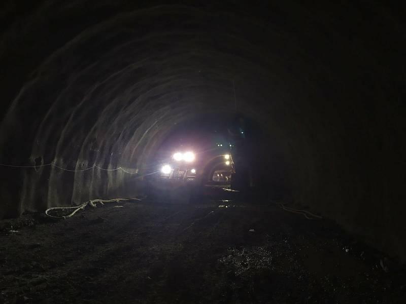 U tramvajového tunelu v Žabovřeské zbývá stavbařům prorazit necelých 100 metrů.
