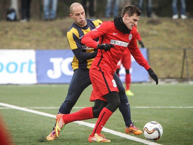 Fotbalisté brněnské Zbrojovky (v červeném) zvítězili v Tipsport lize nad Opavou 2:1.