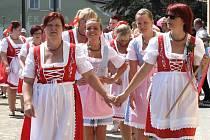 Novou tradici Babských hodů odstartovaly v sobotu místní ženy.