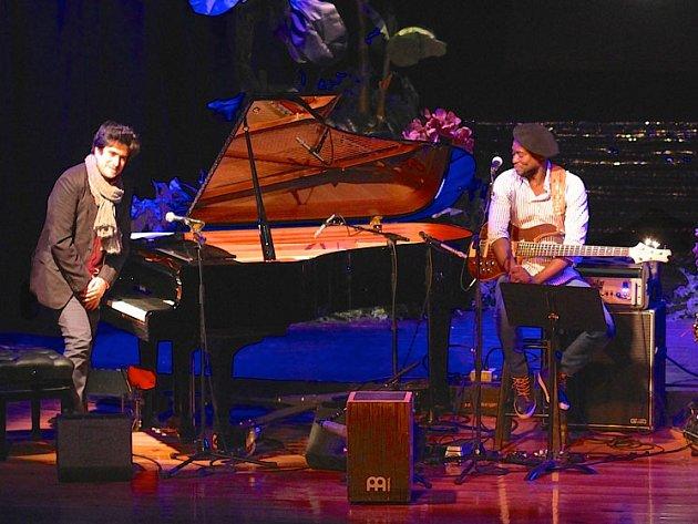Vrcholem úvodního dne bude v Brně od půl deváté večer vystoupení kubánského pianisty Harolda Lopéze-Nussy a jeho tria.