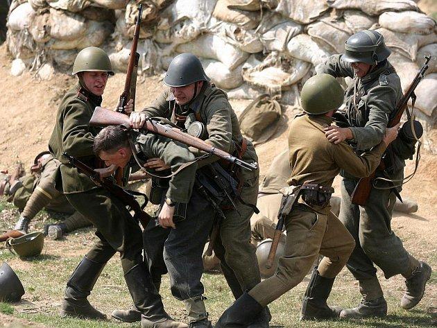 Fanoušci válečné techniky a milovníci historie se v sobotu sejdou v Ořechově na Brněnsku.
