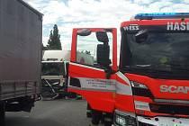 V pondělí odpoledne dálnici na Ostravu blokovala dopravní nehoda.