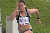 OPORA DRUŽSTVA. Atletka brněnského Olympu Lucie Koudelová ovládla na evropském juniorském šampionátu běh na sto metrů i sto metrů překážek.