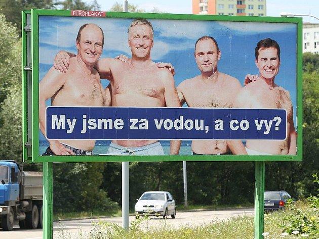 Billboardy v Brně, které parodují kampaň občanských demokratů.