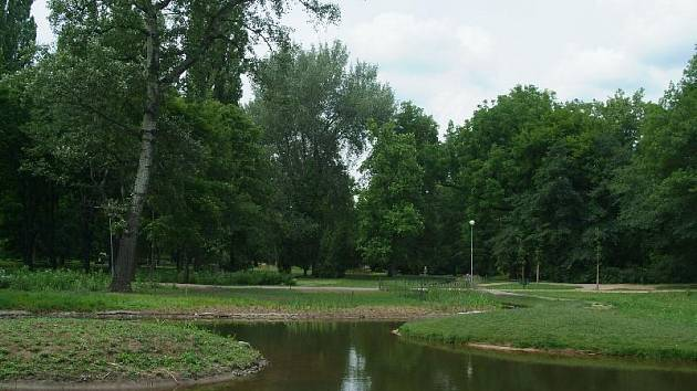 Nejstarší veřejný městský park v Lužánkách