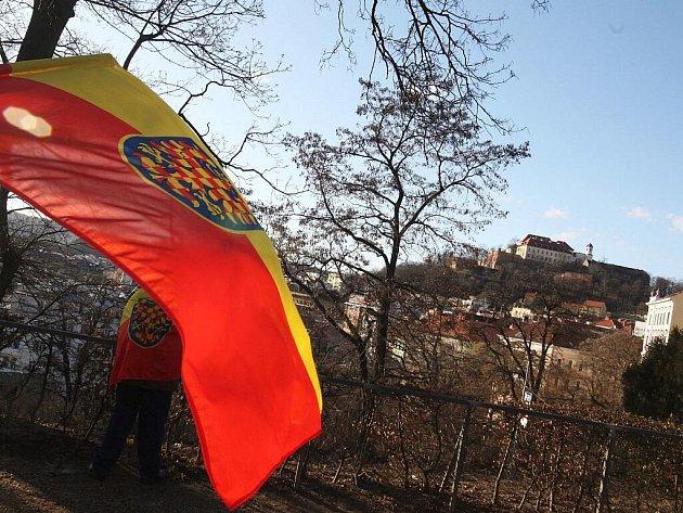 Příznivci strany Moravané prošli v sobotu centrem Brna.