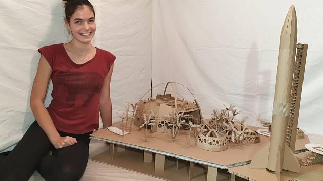 Studenti ze Střední průmyslové školy stavební Brno usilují o postup do finále 14. ročníku soutěže Stavby z vlnité lepenky.