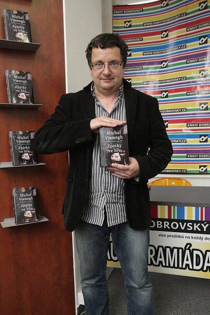 Spisovatel Michal Viewegh vúterý vBrně představil svoji novinku Zpátky ve hře.