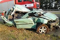 U Ostrovačic na Brněnsku se srazilo osobní auto s nákladním.
