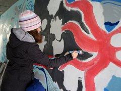 Malování podchodu pod Libušinou třídou v brněnských Kohoutovicích.
