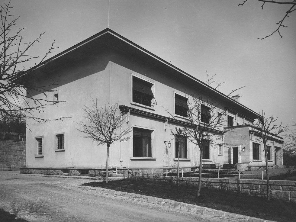 Brněnská vila Stiassni na historické fotografii.