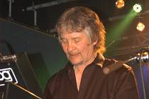 Don Airey působil na pódiu Melodky svěže a vitálně, zazněla i skladba Black Night od Deep Purple.