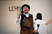 Reálný portrét židovské německé rodiny Lehmanových, která změnila dějiny kapitalismu, přenese na divadelní jeviště Husa na provázku: v české premiéře a nastudování režiséra Michala Dočekala.